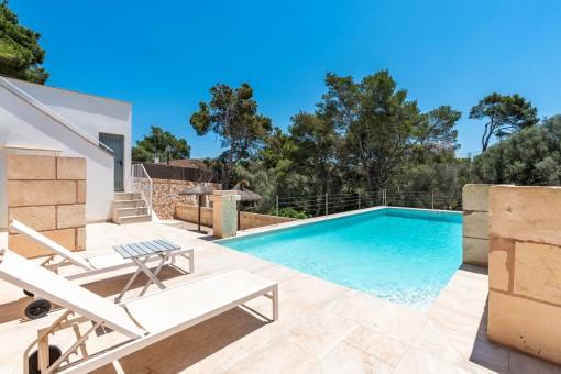 Beautiful pool are with sun terrace